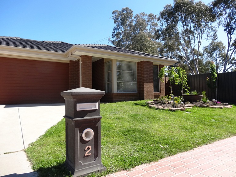 2 FARRALL COURT, Mansfield, Vic 3722