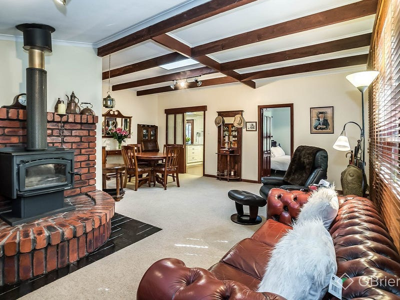18 Olive Grove, Tecoma, Vic 3160