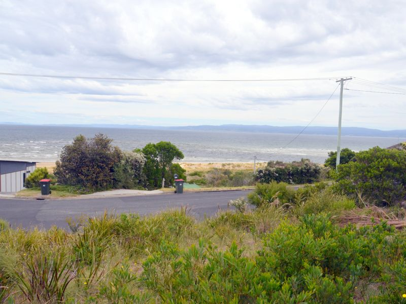 145 Swanwick Drive, Coles Bay, Tas 7215