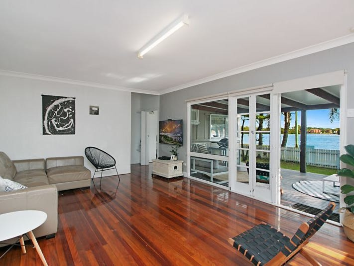 4 Philp Parade, Tweed Heads South, NSW 2486