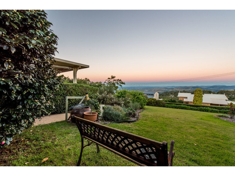 9 Katoomba Crescent, Prince Henry Heights, Qld 4350