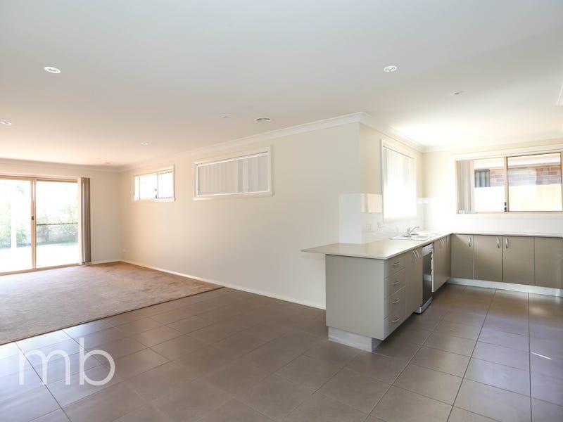11 Onyx Place, Orange, NSW 2800