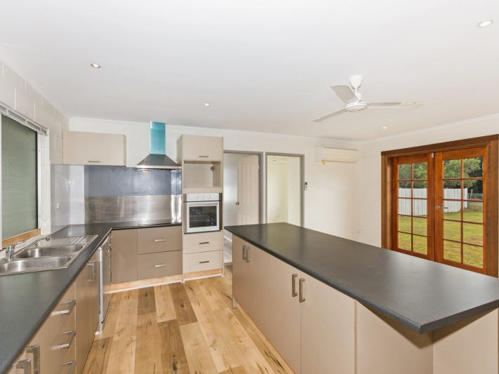 10 Phillips Street, Bluewater, Qld 4818