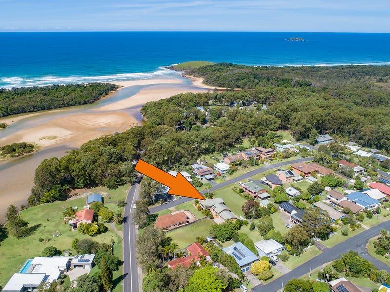 4 The Corso, Moonee Beach, NSW 2450