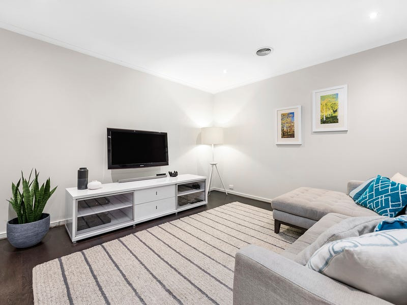 18 Oakmont Crescent, Heatherton, Vic 3202