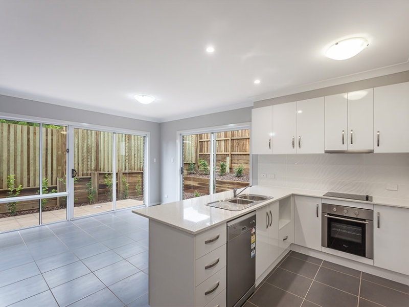 Unit 4, 5 Messines Street, Harlaxton, Qld 4350