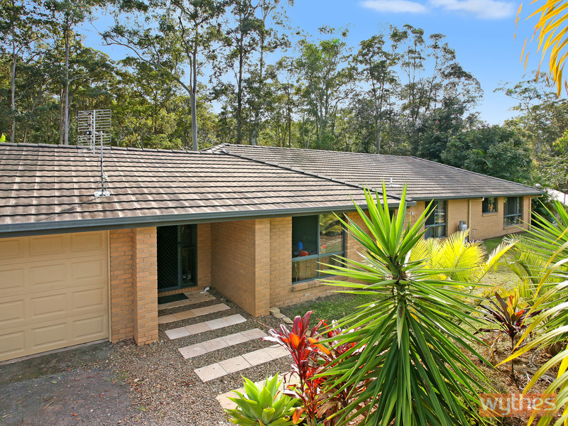 28 White Wood Court, Lake Macdonald, Qld 4563