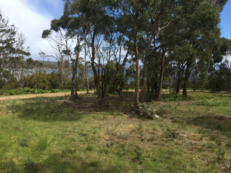 18 Cemetery Road, Lunawanna, Tas 7150