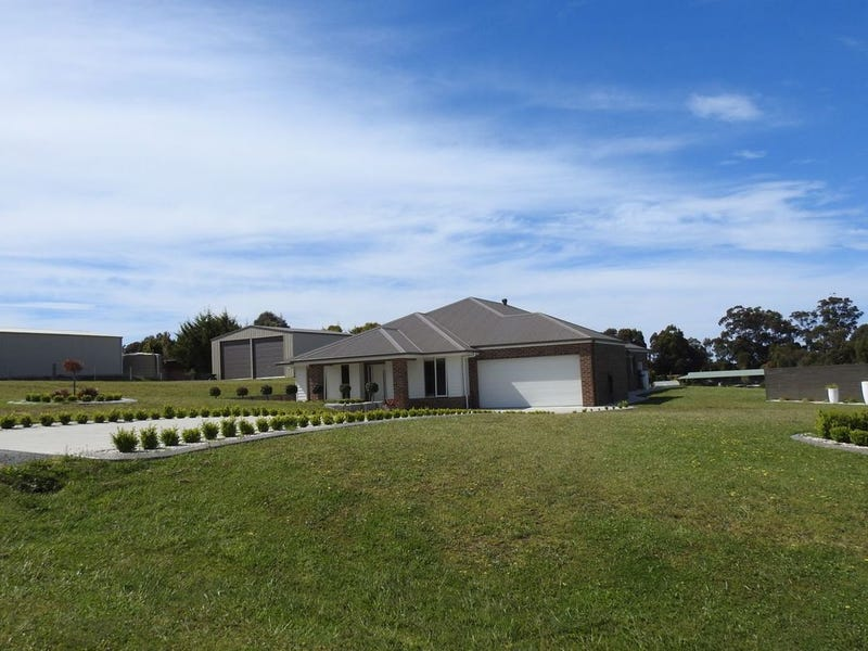 11 O'Donnell Drive, Lakes Entrance, Vic 3909