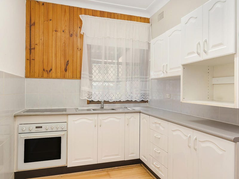 12 School Street, Broadmeadow, NSW 2292
