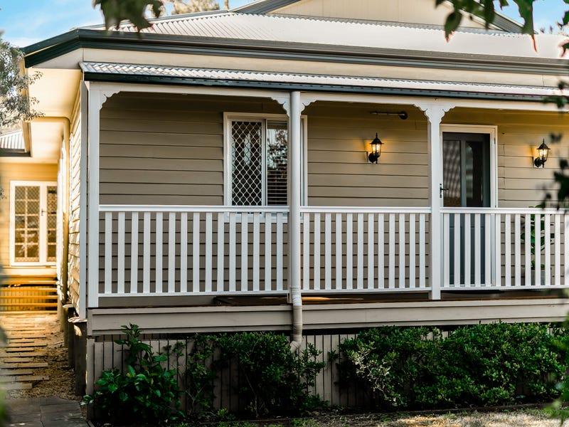 76A Mackenzie Street, Mount Lofty, Qld 4350