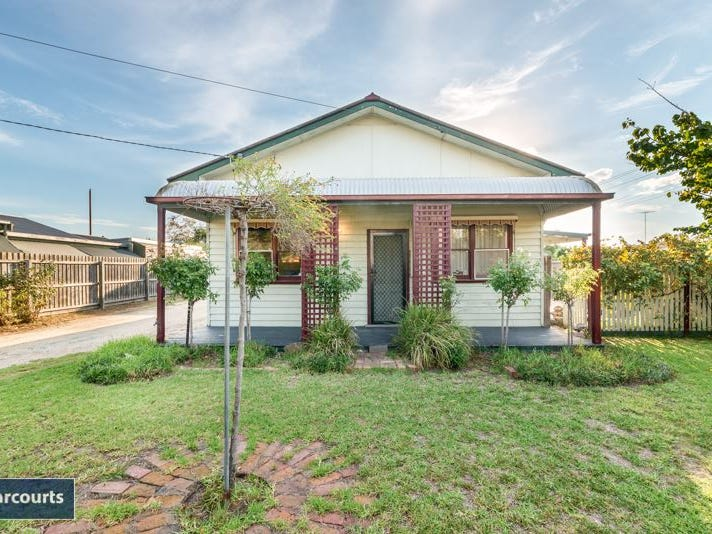 110 Wilsons Road, Newcomb, Vic 3219