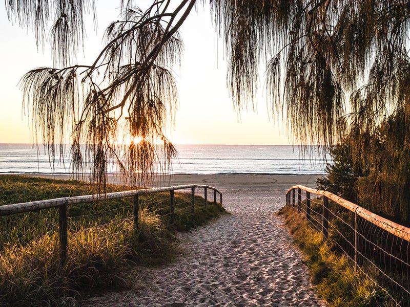 401/15 Peerless Avenue, Mermaid Beach, Qld 4218