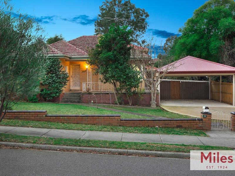 11 Kambea Crescent, Viewbank, Vic 3084