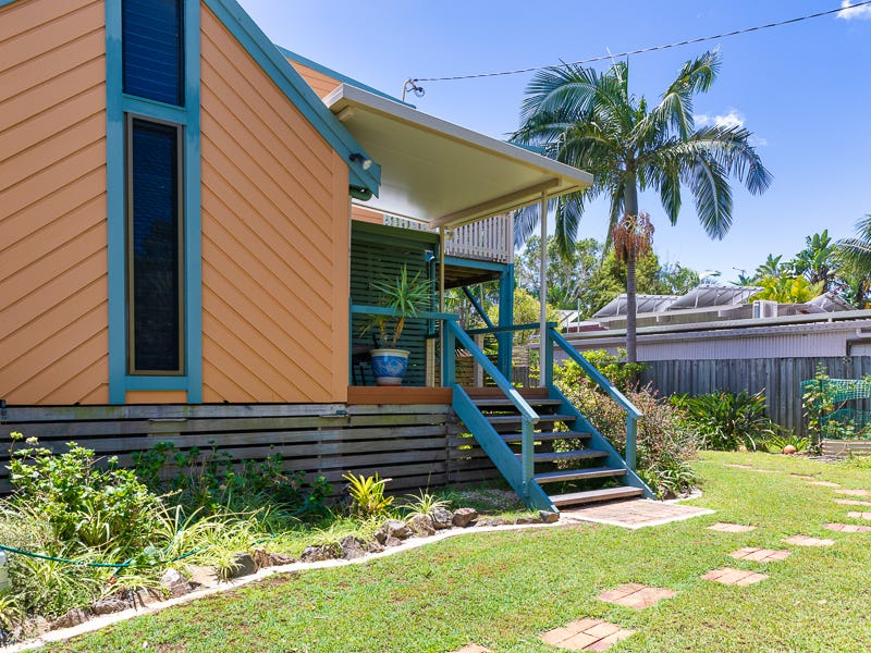 33 Beach Avenue, South Golden Beach, NSW 2483