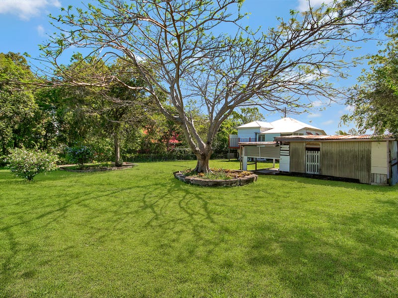 124 South Station Rd, Silkstone, Qld 4304
