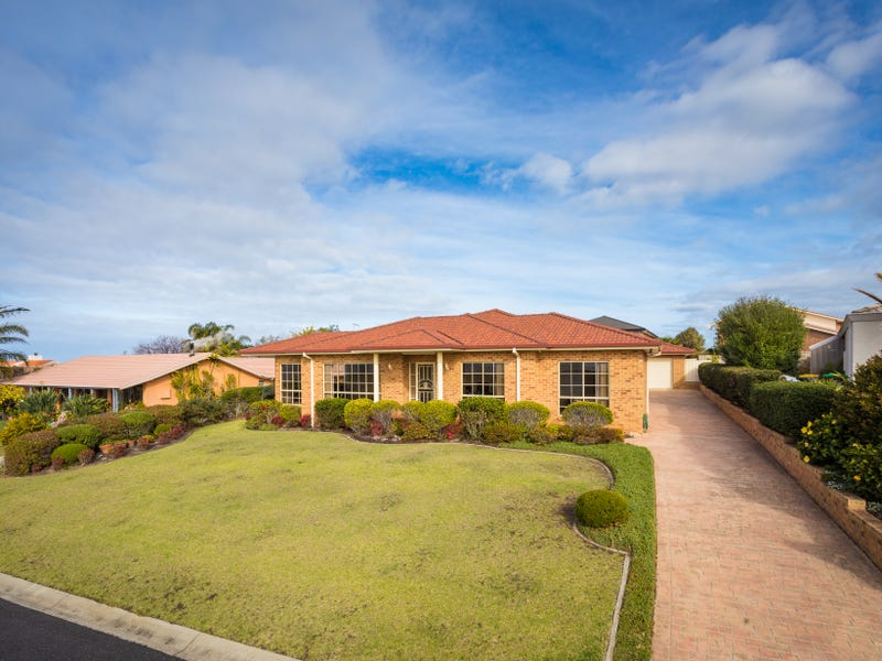 87 HEADLAND DRIVE, Tura Beach, NSW 2548