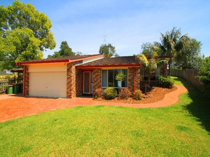 8 Tom Close, Lisarow, NSW 2250