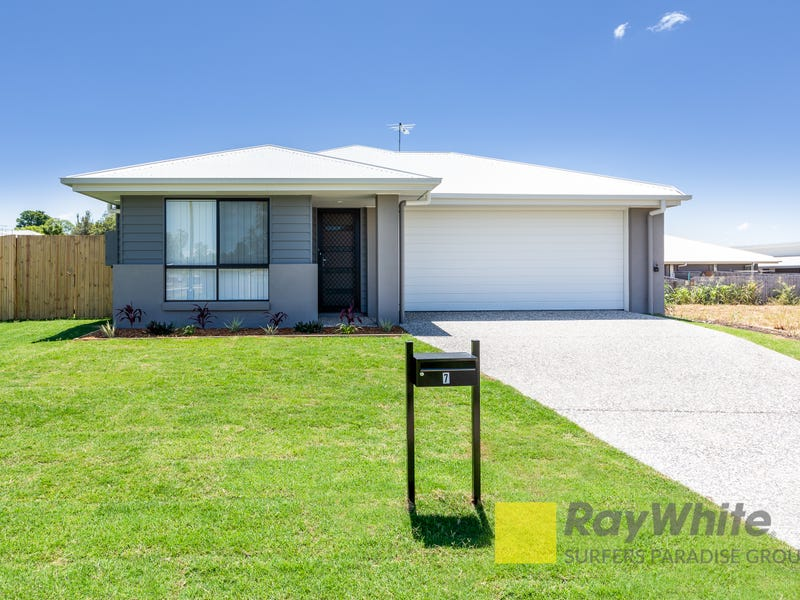 7 Castle Way, Flinders View, Qld 4305