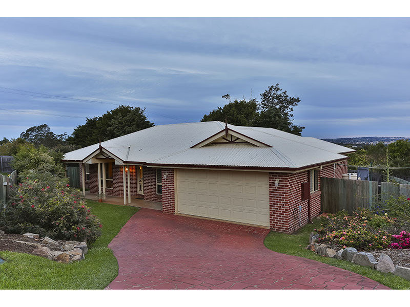 12 Dodson Crescent, Mount Kynoch, Qld 4350
