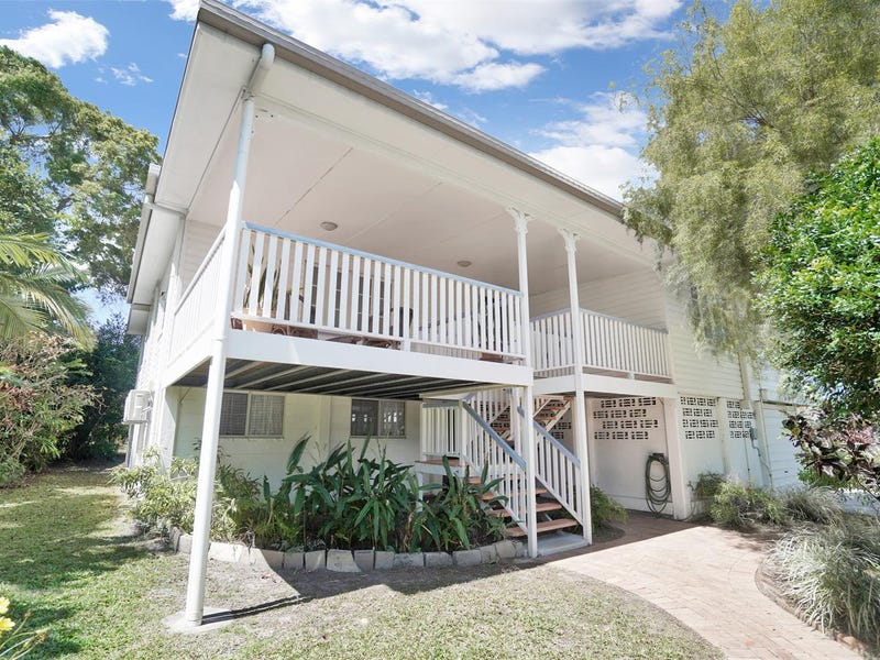 14 Crowther Street, Whitfield, Qld 4870