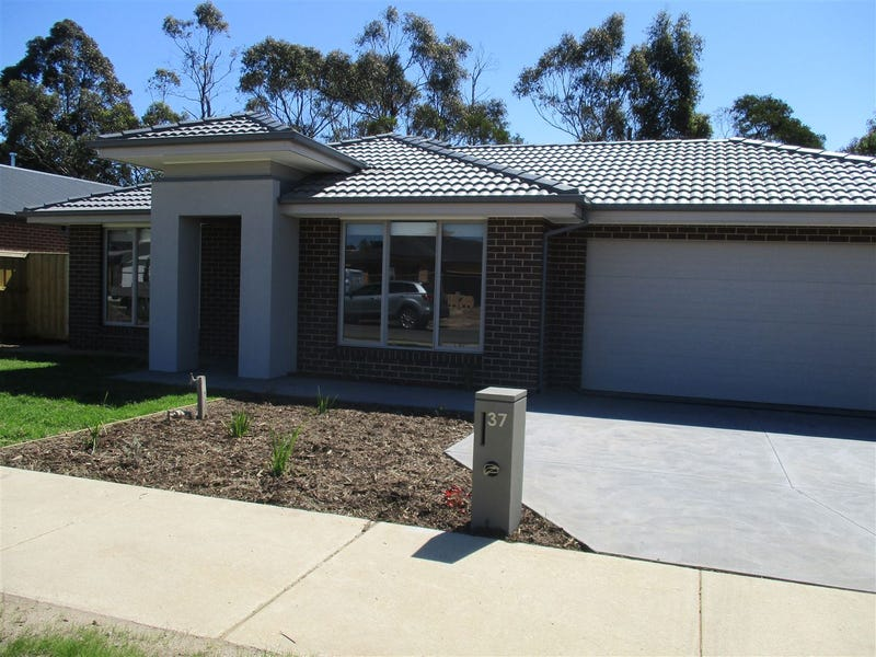 37 Pepper Crescent, Drouin, Vic 3818