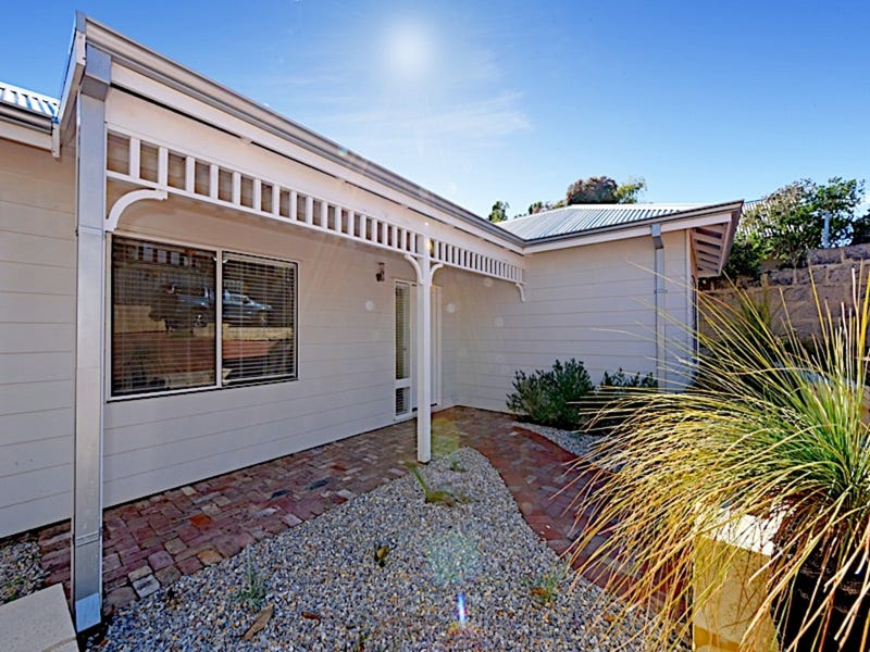 32A Samson Street, White Gum Valley, WA 6162