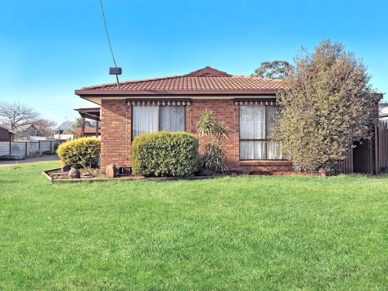 1/16 Hope Street, Maryborough, Vic 3465