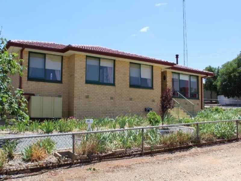 9 Paxton Terrace, Burra, SA 5417
