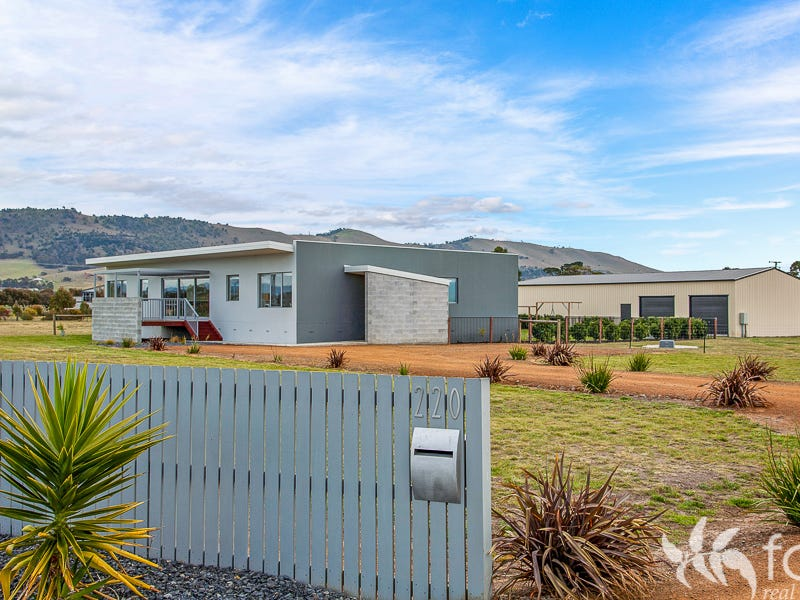 220 Shark Point Road, Penna, Tas 7171