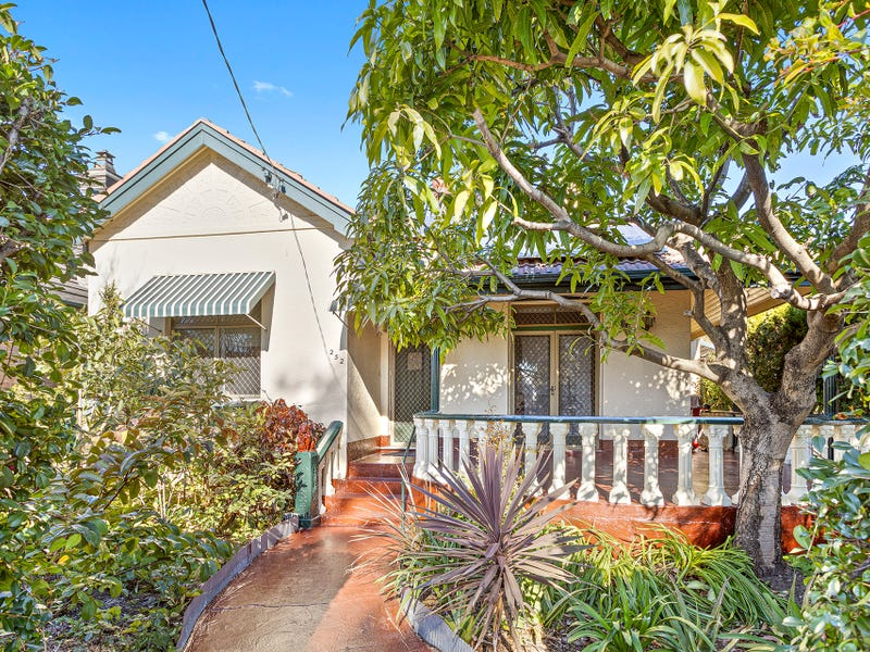 252 Forest Road, Bexley, NSW 2207