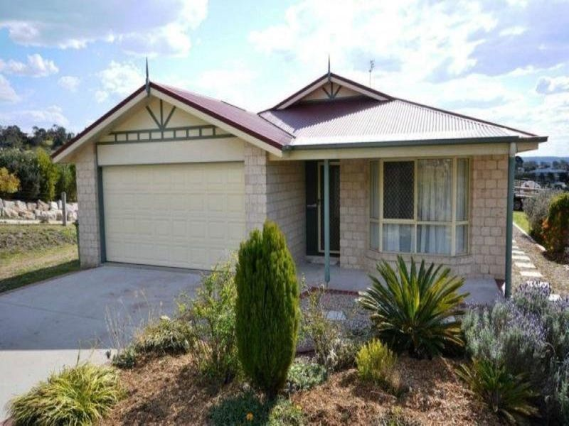 18 Roderick Dr, Cotswold Hills, Qld 4350