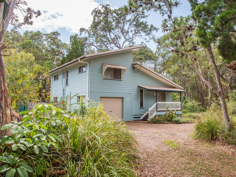 33 Llewellyn St, Amity Point, Qld 4183