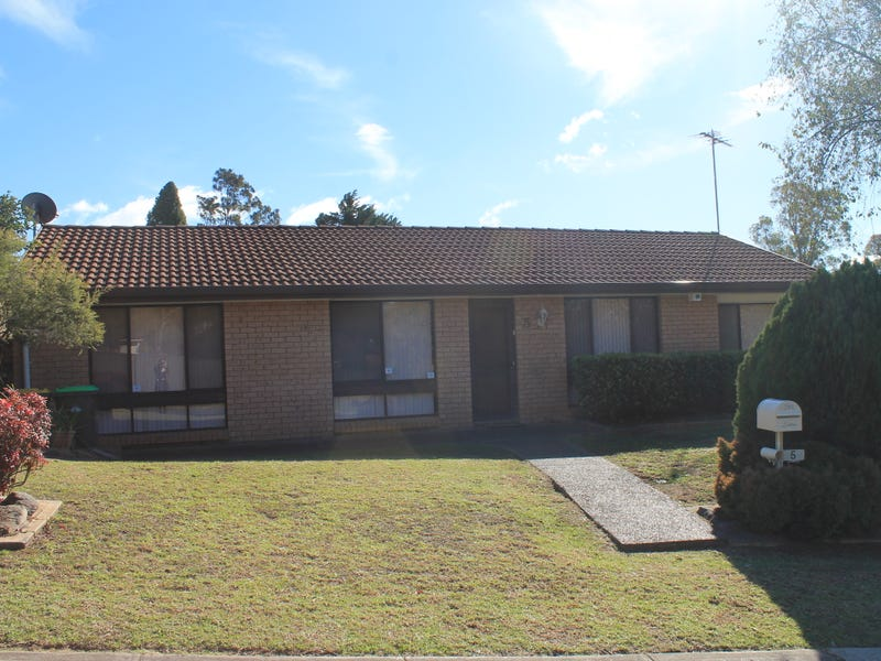 5 Copperfield Drive, Ambarvale, NSW 2560