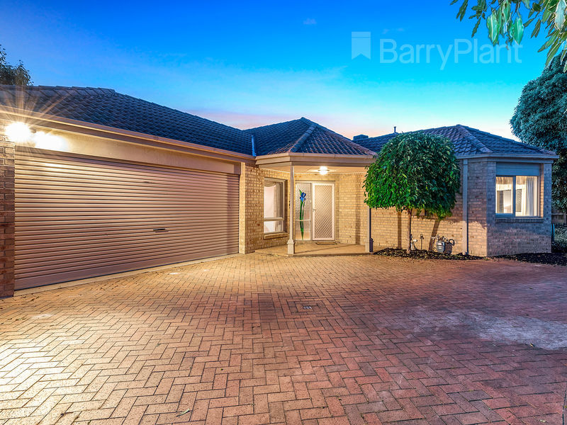 82 Applewood Drive, Knoxfield, Vic 3180