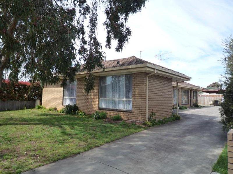 1-3/3 Edwards Crescent, Wendouree, Vic 3355