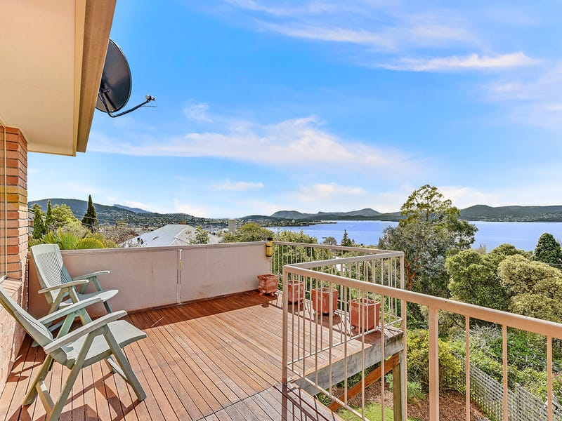 Villa 2 36 Red Chapel Avenue, Sandy Bay, Tas 7005