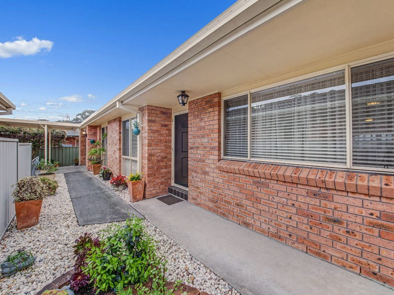 2/8 Cathy Crescent, Narara, NSW 2250