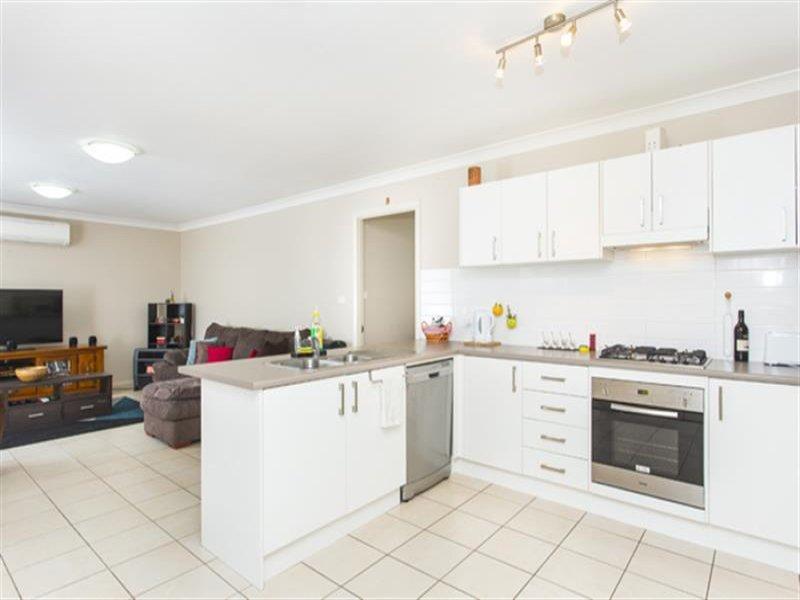 1/5 Trellis Ct, East Branxton, NSW 2335