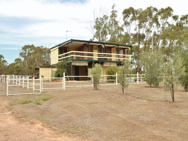 101 Heathcote-Redesdale Road, Heathcote, Vic 3523