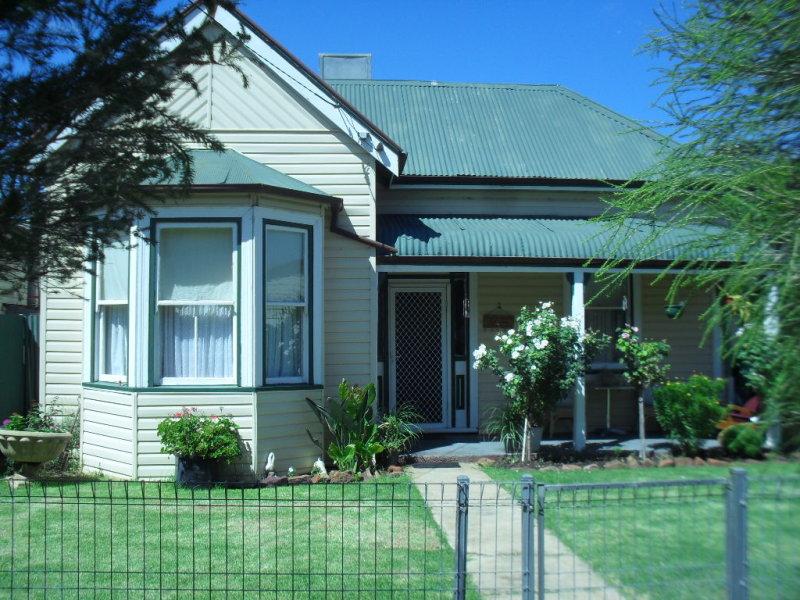 10 Naradhun St, Whitton, NSW 2705