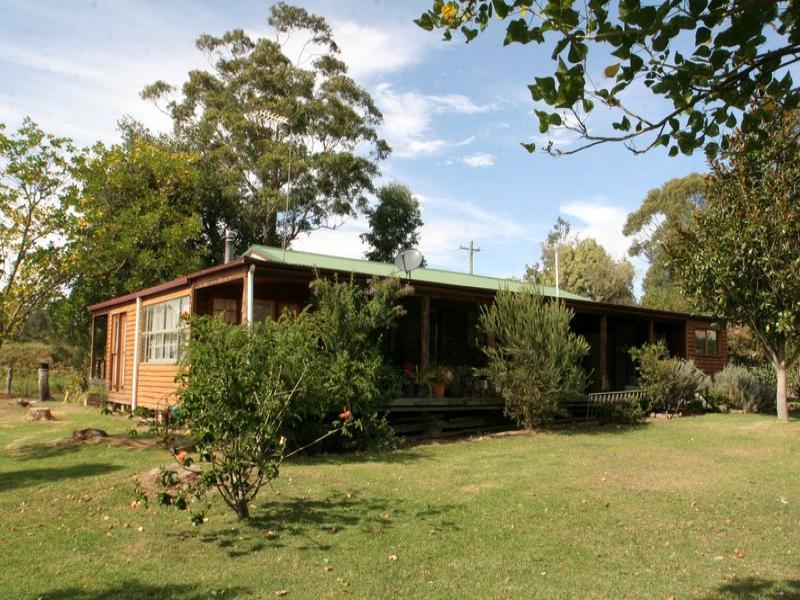 25 Jannung Lane, Wandandian, NSW 2540