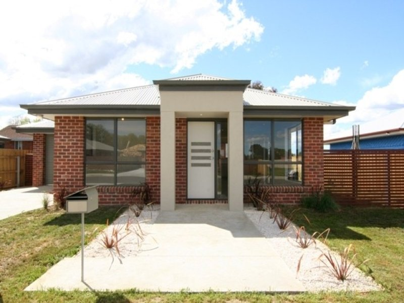 2/139 Wellington Street, Longford, Tas 7301