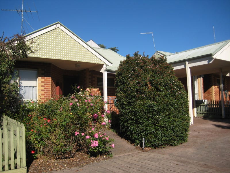 3/35 Prince Street, Gisborne, Vic 3437