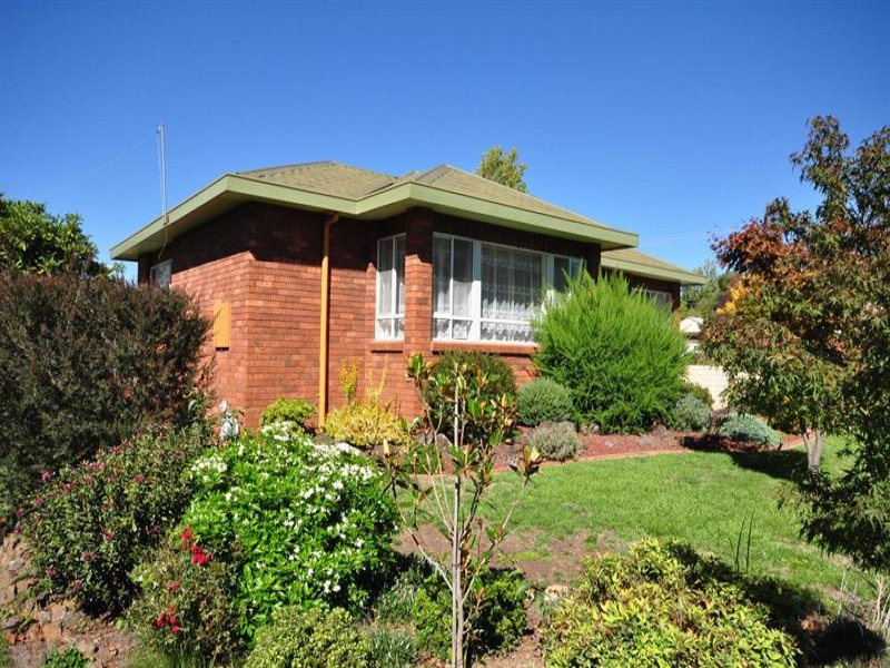 3 Racecourse Rd, Orange, NSW 2800