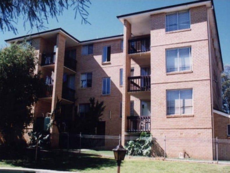 28/5-7 Hoddle Avenue, Bradbury, NSW 2560