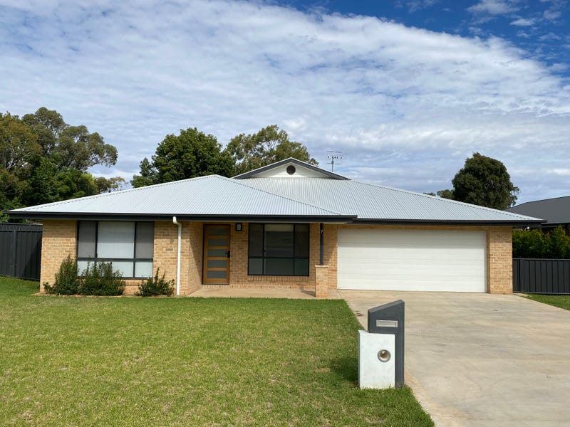7 Randall Place, Condobolin, NSW 2877