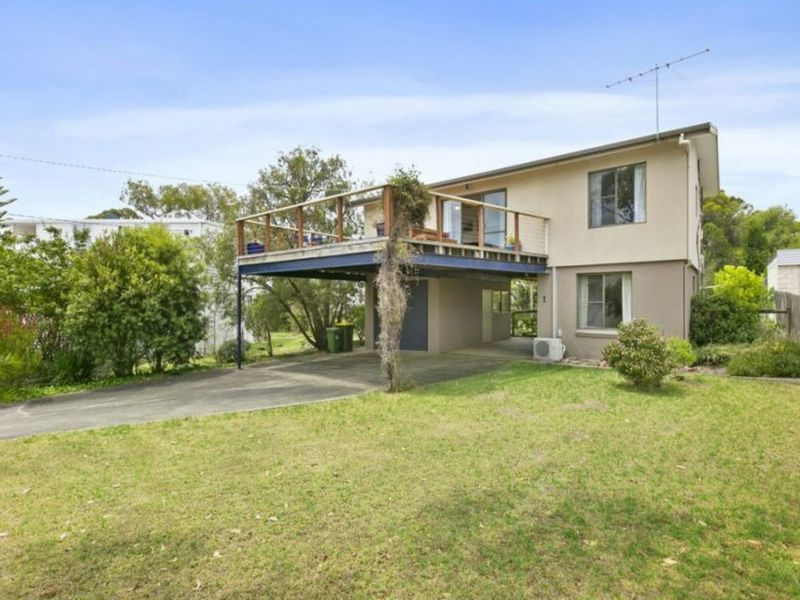 1 Sunseeker Court, Cowes, Vic 3922