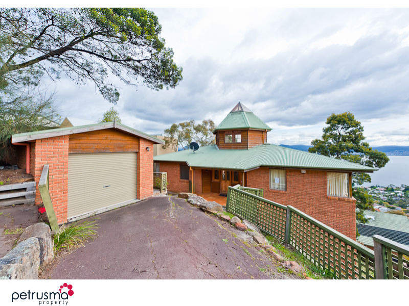 37 Nicholas Drive, Sandy Bay, Tas 7005