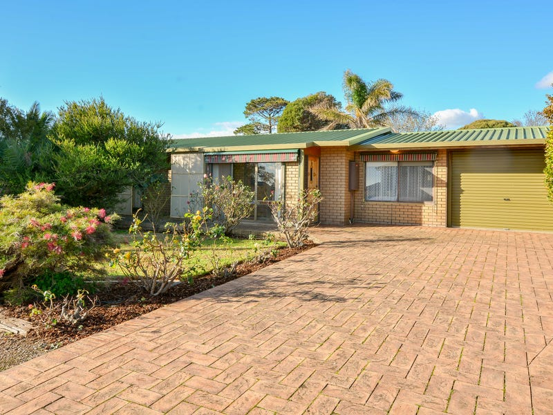 8 Plaza Ave, Sellicks Beach, SA 5174